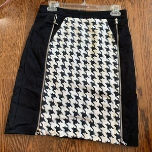Kenneth Cole Black and white pencil skirt size 2